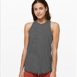 Lululemon All Tied Up Tank 4 piece package